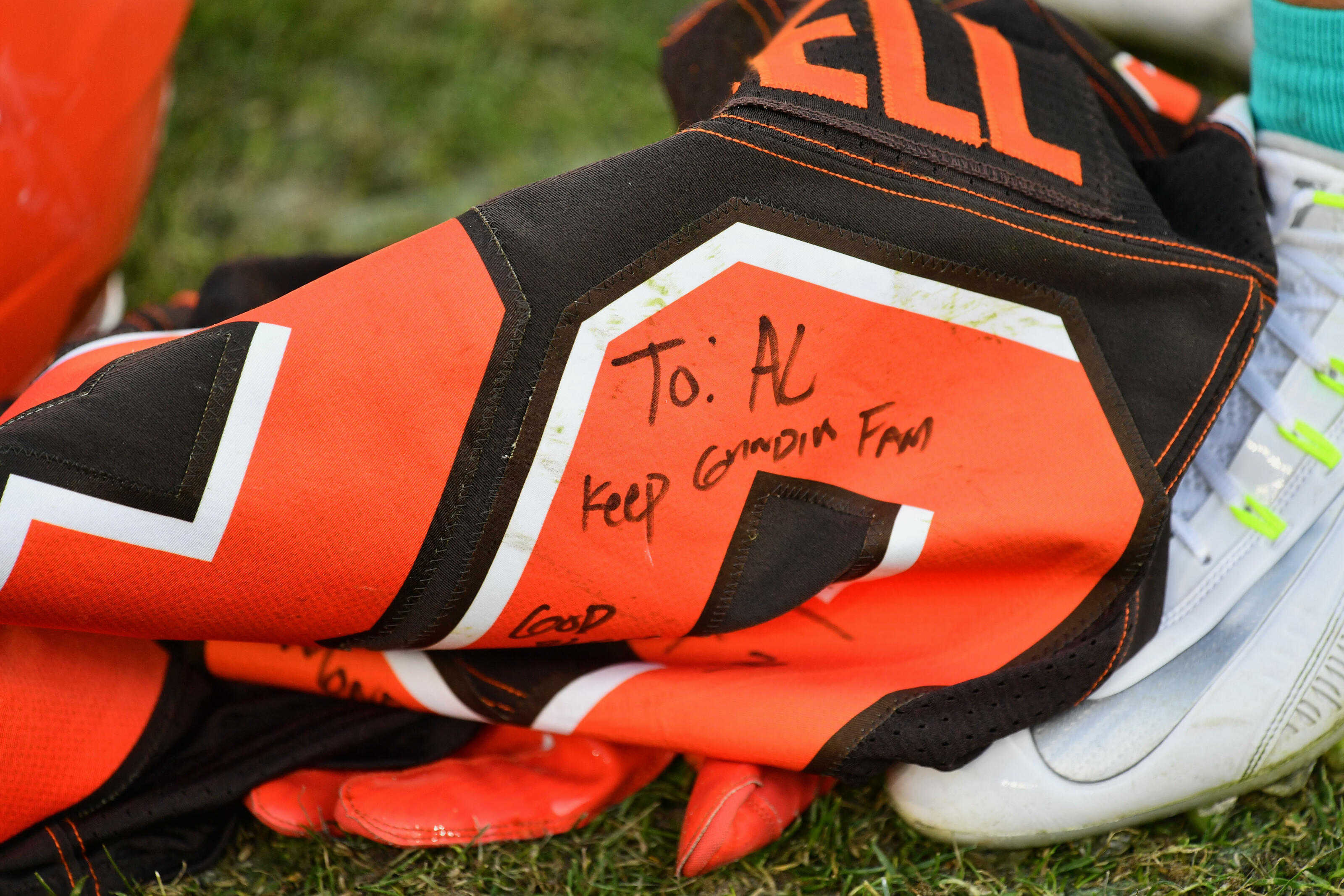 buy cleveland browns jersey