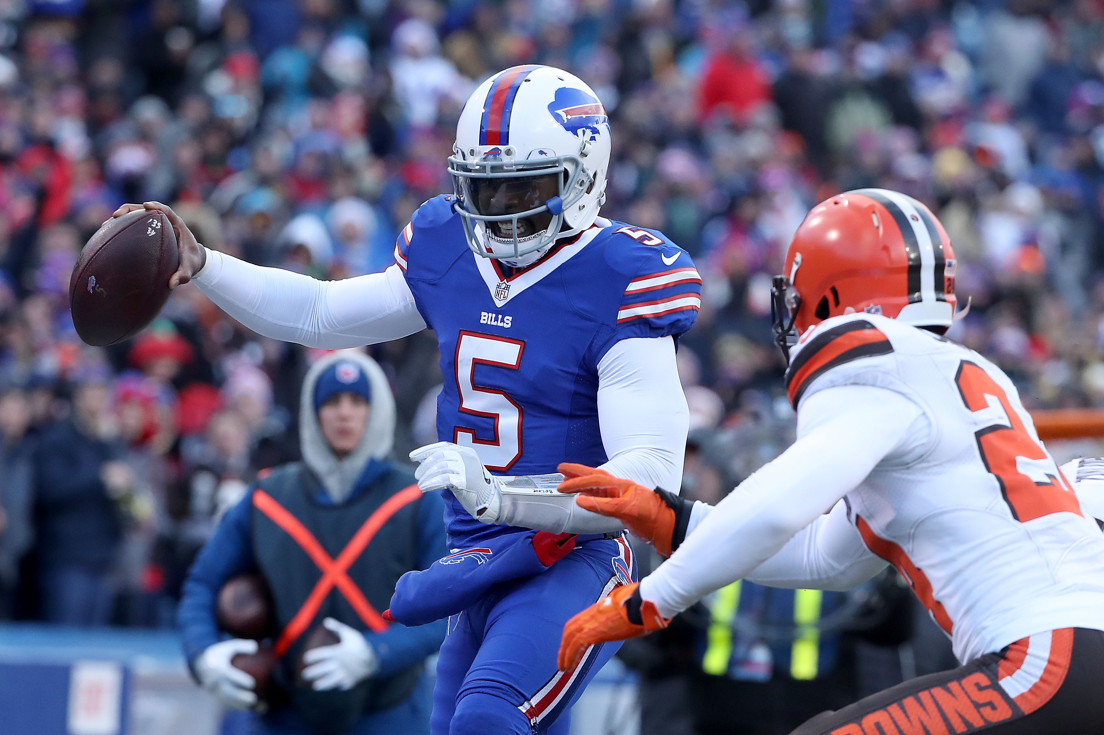 Browns LT Joe Thomas compares Tyrod Taylor to Russell Wilson